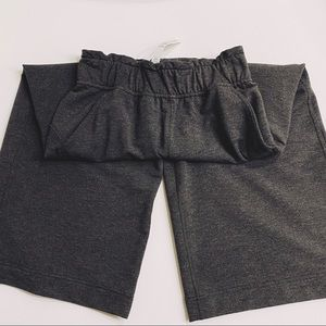 Lululemon like new graphite sz2 SoftAmbitionscrop